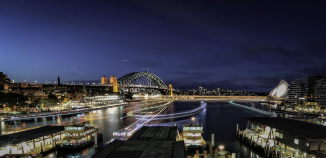 Business-district-in-downtown-Sydney-e1475780887918
